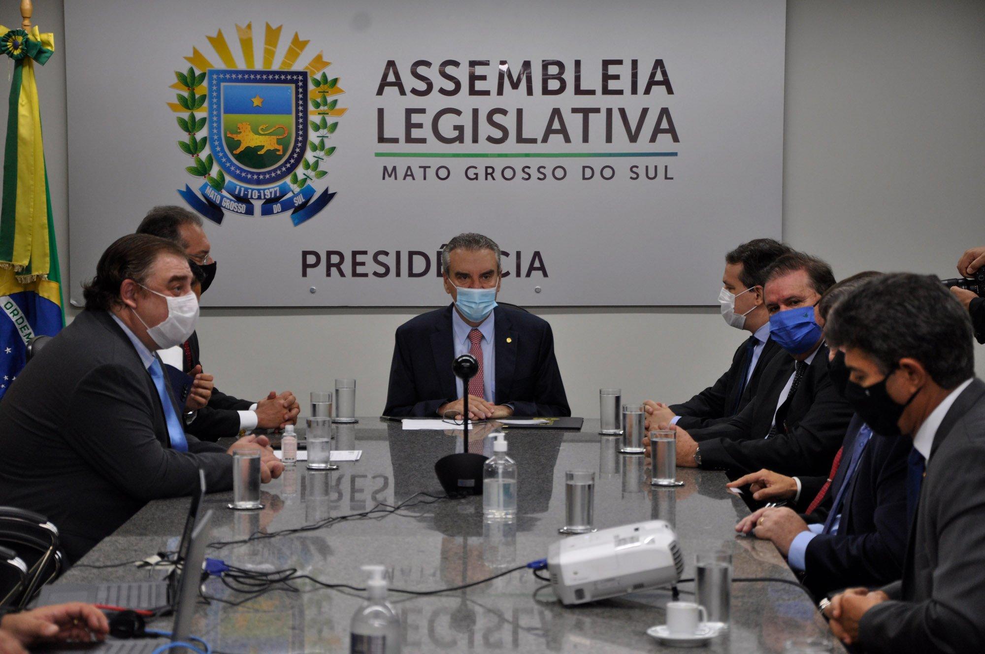 Assembleia Legislativa de Mato Grosso do Sul - Mesa Diretora da ALEMS toma  posse em sessão extraordinária