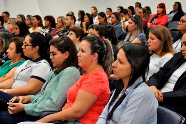 Imagem: Maioria entre desempregados, mulheres lotaram plenário Deputado Júlio Maia durante audiências e sessões plenárias antes da pandemia